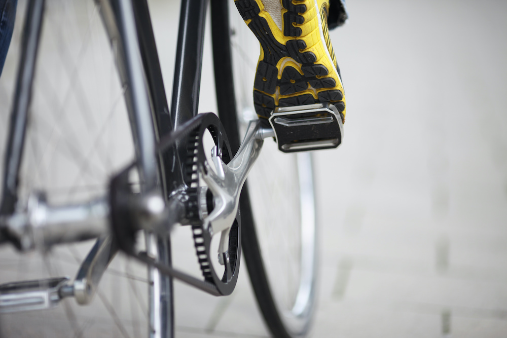 clipless or flat mountain bike pedals